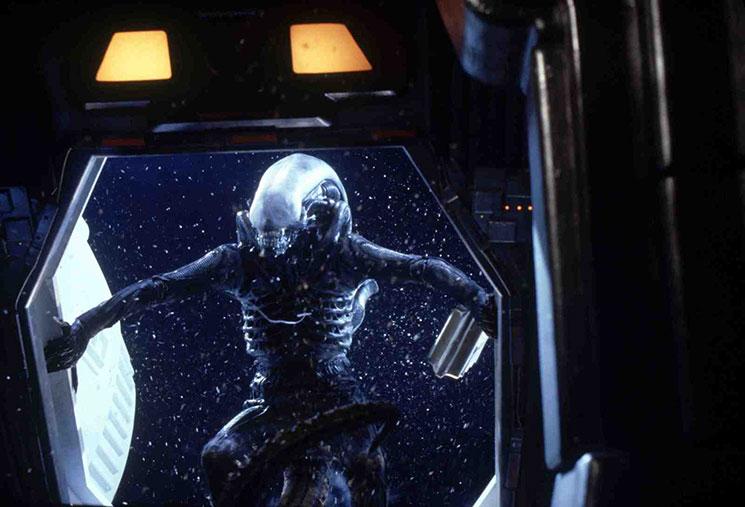 http://mightyhandful.ru/resources/images/reviews/0369/0001_Alien.jpg